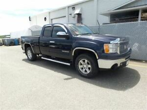 2011 GMC Sierra 1500 SLE Ext Cab - 5.3L V8, Chrome Package, Powe