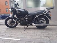 Triumph Bonneville T100 Black - 865cc - great condition - full service history motorbike motorcycle