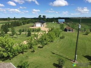 $785,000 - Acreage / Hobby Farm / Ranch in County of Minburn Strathcona County Edmonton Area image 5