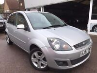 Ford Fiesta 1.4 Zetec Climate 5dr - PARKING SENSORS, AIR/CON - Cheap to Run