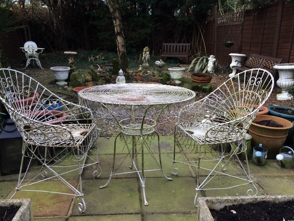 Ornate Wrought Iron French Style Garden Table 2 Chairs