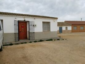 FOR SALE: Lovely villa in Spain (Murcia) - 2 independent houses + 20000 m2 land + 2 warehouses
