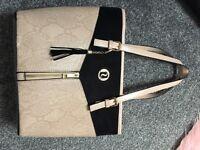Girls river island hand bag immaculate