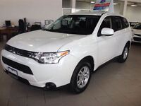 2014 Mitsubishi Outlander ES 4X4! 2.4L/ HEATED SEATS! GREAT ON F