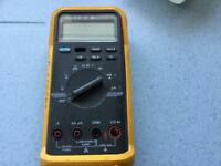 FLUKE 83 Multimeter