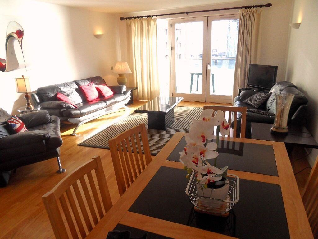 Stunning 2 bed/2bath apartment in New Providence Wharf, Docklands