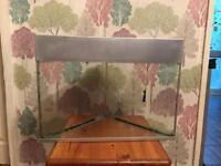 Triangle corner fish tank