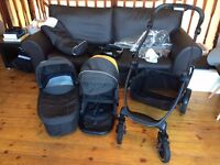 Graco Evo XT Carrycot and Pram Travel system in excellent condition, 1 owner, LONDON.