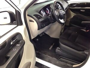 2014 Dodge Grand Caravan SXT| STOW & GO| BLUETOOTH| CRUISE CONTR Kitchener / Waterloo Kitchener Area image 17