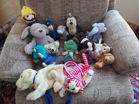 SMALL SELECTION OF SOFT TOYS