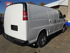2014 Chevrolet Express 3500 Cargo | 4.8L V8 | 4 NEW TIRES Kitchener / Waterloo Kitchener Area image 4