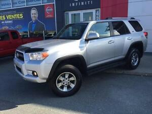 2011 Toyota 4Runner SR5 / AUTOMATIQUE / 4 x 4 / AIR / HITCH