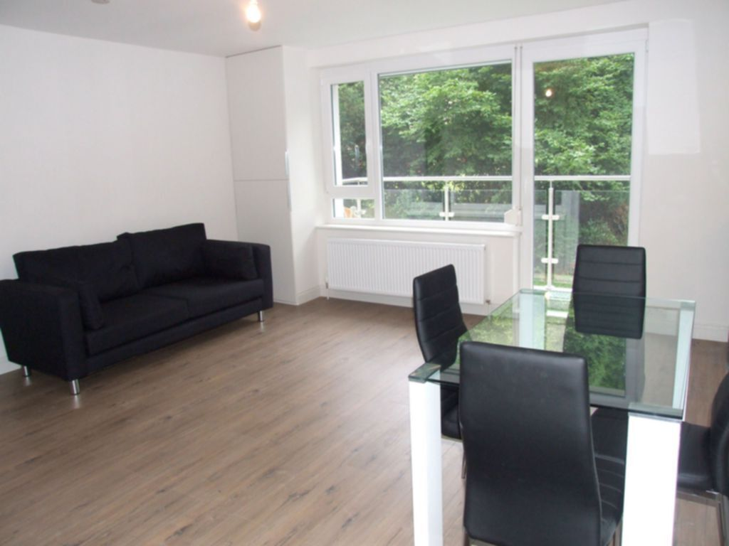 1 bedroom flat in Corrib Heights, Crescent Road, Crouch End, N8