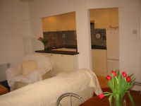SUMMER HOLIDAY LET (1 MONTH) WEST HAMPSTEAD. LOVELY 2 BED FLAT.