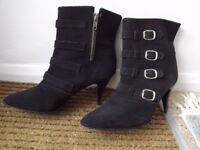 Ladies ankle length boots