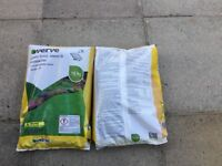 Verde garden feed and Moss Kill 2. 400sq Mt Bags