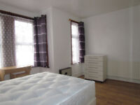 **LESS DEPOSIT REQUIRED**EXTRA EXTRA LARGE ROOM TO RENT IN NEWHAM