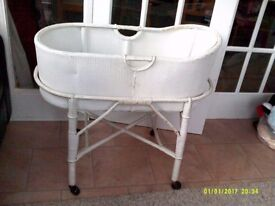 LOVELY VINTAGE 1940'S/50'S LLOYD LOOM STYLE CRIB AND STAND