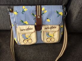 Barely used Mama et bebe changing bag