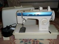 Singer electric sewing machine in excellent working order