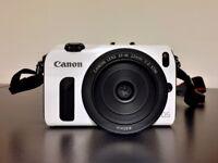 Mint condition Canon EOS M 16MP with 22mm f2 prime pancake lens, APS-C mount