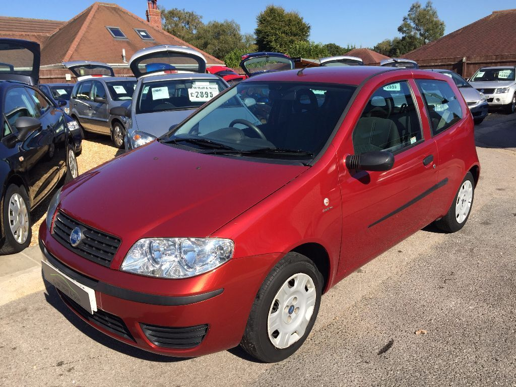 2006 06 fiat punto 1 2 8v active 3 door metallic red good condition looks and drives well in. Black Bedroom Furniture Sets. Home Design Ideas