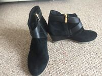 Shoes size 7 Blouses tops bag for sale Size 12
