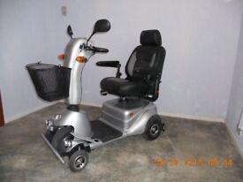 Quingo plus mobility scooter, NEW BATTERIES, 8mph.