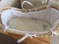 Clair de lune Noah pod Moses basket. Only used for 8 weeks