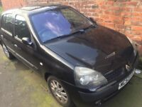 Renault Clio 1.5 dci SMASHED WINDSCREEN