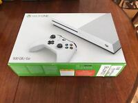 Xbox One S - Near New + 4 Games