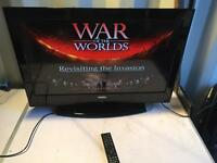 "Digihome hd freeweiw 32"" LCD tv built in DVD player"