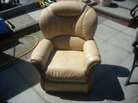 LEATHER ARM CHAIR COMFY. CLEAN . can deliver locally. £25.
