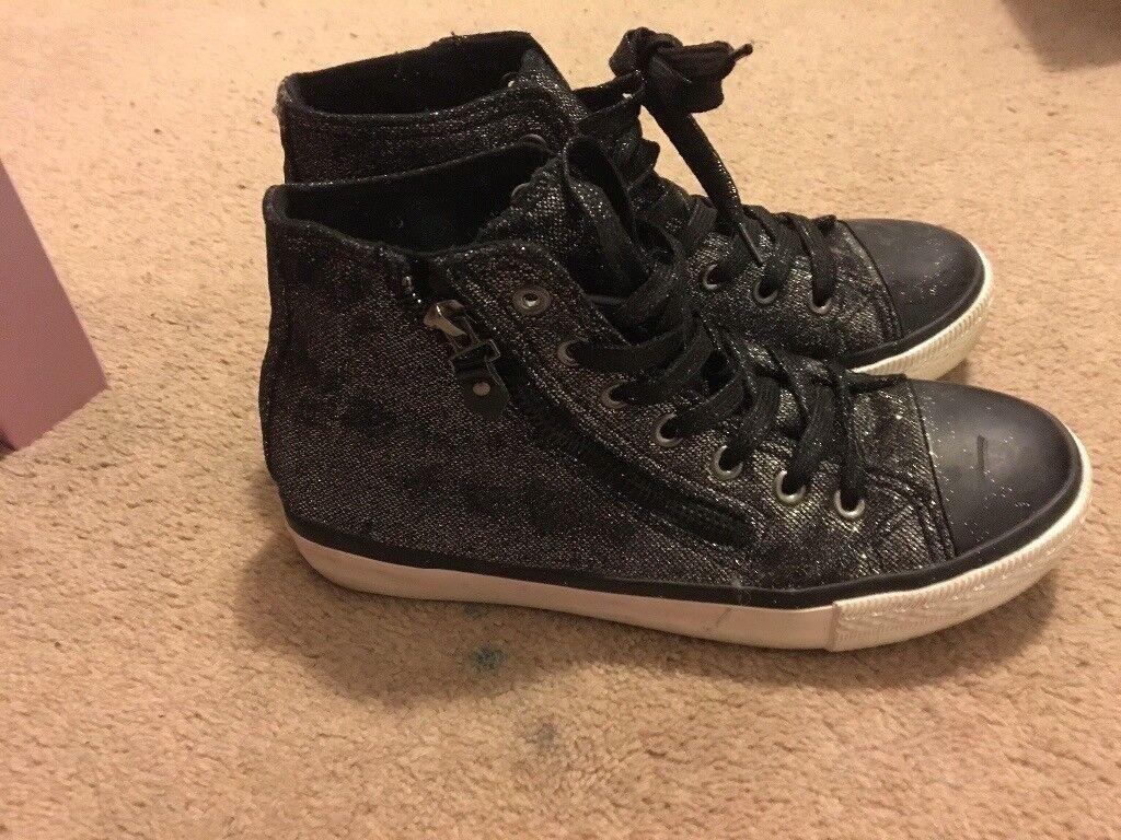 Ladies black sparkly boots size 4