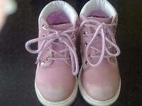 Infant girls pink boots size 9