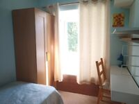Quiet room-ALL BILLS INCLUDED-NO FEES- near University of Southampton-Sirdar Road
