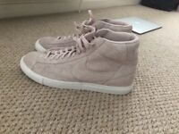Men's Size 11 baby pink Suede Nikes