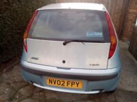 Spares or repairs, fiat Punto 02 reg, no valid not, spare wheel on due to flat tyre,