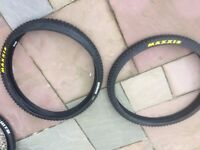 Maxxis and WTB 26 inch and 27.5 mountain-bike tyres very little use £8 each!!