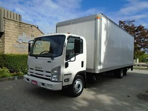 2014 Isuzu NRR Factory warranty,regular licence,22ft box with li