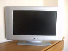 Silver Bush Television LCD26TV005HD c/w remote control & Instruction Manual