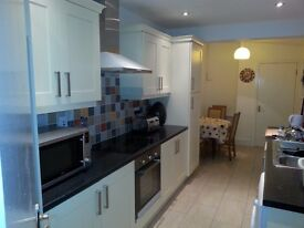 Double Rooms for Rent in Dunluce Avenue