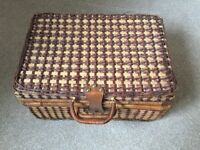 Picnic basket - wicker - for 4 people