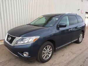 2016 Nissan Pathfinder SV 4X4 V6 SUV WITH FACTORY WARRANTY AN...