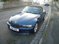 2001 BMW Z3 2.2 M Roadster Matalic blue body finnish, with a blue leather interior, attractive car