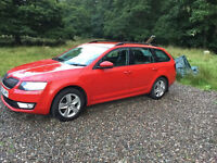 Skoda OCTAVIA Estate 2013 (as new condition) one owner from new