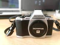 Olympus OM-D E-M5 EM5 OMD bundle 17mm 2.8 , 14mm 2.5 panasonic , 45mm 1.8 + more