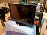 """LG 32"""" flat screen TV 32LH5000"""