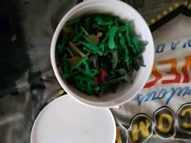 Tub plastic soldiers