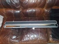 New Rileys 16oz two piece snooker cue and Chrome case